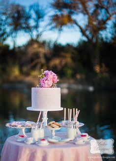 Valentine's Day Picnic with So Many Darling Ideas via Kara's Party Ideas Kara Allen KarasPartyIdeas.com #ValentinesParty #PartyIdeas #Supplies (11)