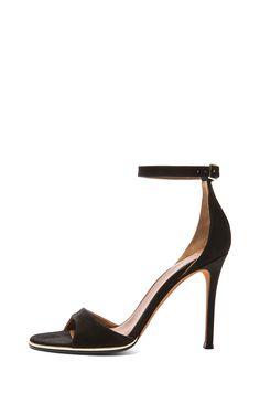 GIVENCHY Giuliana Heel in Black
