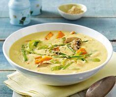 Das Rezept für Kartoffel-Kokos-Suppe mit knackigem Gemüse und weitere kostenlose Rezepte auf LECKER.de