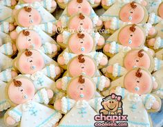 Baptism babies (Uploads from Chapix Cookies) Galletas Cookies, Baby Cookies, Iced Cookies, Cupcake Cookies, Sugar Cookies, Baby Cake Topper, Cake Toppers, Cupcake Art, Yummy Cupcakes