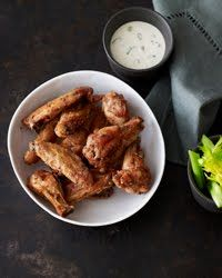 Black and white pepper have an intense, delicious heat that, in tandem with coarse salt, makes a crisp, spicy coating for chicken wings. Fast Hors d'Oeuvres