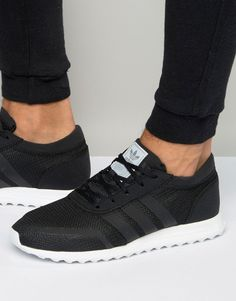 Buy Black Reebok Sneakers for men at best price. Compare Sneakers prices from online stores like Asos - Wossel Global Black Nike Sneakers, Best Sneakers, Black Nikes, Sneakers Fashion, Fashion Shoes, Mens Fashion, Black Reebok, Men S Shoes, Ladies Shoes