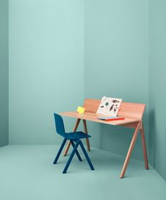 #copenhague #moulded #plywood #desk #hay #vitrapoint #bouroullec