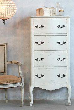 Dressers Dressers, Kids Furniture, Home Decor, Furniture For Kids, Homemade Home Decor, Vanities, Decoration Home, Room Decor, Dresser Drawers