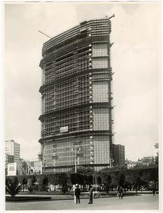 Construction. Pirelli Tower, 1958 © Publifoto Fondazione Pirelli