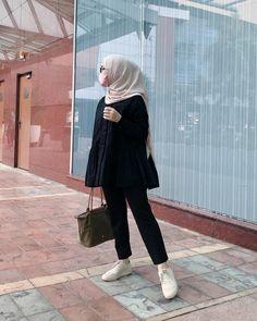 Hijab Casual, Hijab Chic, Hijab Outfit, Casual Outfits, Cute Outfits, Fashion Outfits, Ootd Hijab, Modern Hijab Fashion, Muslim Fashion