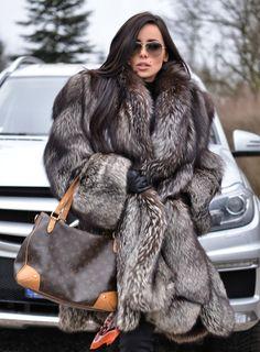 Simple Prom Dress, 2020 Cheap A Line Strapless Chiffon Blue With White Sash Short Bridesmaid Dresses / Gowns Saloni Dresses Black Fur Coat, Fox Fur Coat, Fur Coats, Fur Fashion, Winter Fashion, Womens Fashion, Grey Fashion, Mink Jacket, Fabulous Furs
