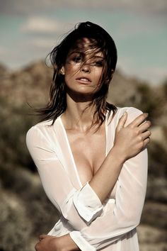Nacre Voyage Spring Summer 2017 Flavia Lucini by Richard Bernardin