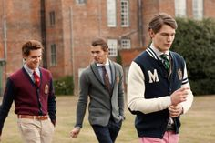 Want to know how to dress like a preppy man ?what are the preppy outfits for guys ? What accessories are perfect for him? This article from Outfit Trends Style Preppy, Cute Preppy Outfits, Preppy Boys, Preppy Dresses, Preppy College Style, Preppy Family, Preppy Outfits For School, Trendy Style, Estilo Ivy League