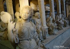 Statues - Saint-Denis Cathedral