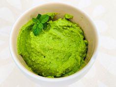 Een frisse, gezonde hummus als dip of als gezond beleg voor op de boterham. Amper 10 minuten werk en complimentjes gegarandeerd! Ethnic Recipes, Food, Essen, Meals, Yemek, Eten