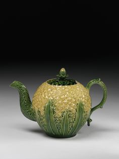 Teapot, 1760 (made), possibly by Edward Warburton. Lead-glazed earthenware. Museum number: 414:1068/&A-1885. Image © Victoria and Albert Museum, London