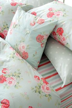 Cath Kidston Antique Rose Duvet Cover in Duck Egg Blue Shabby Chic Bedrooms, Shabby Chic Homes, Shabby Chic Furniture, Country Furniture, Country Decor, Country Style, Cath Kidston, King Size Duvet Covers, My New Room