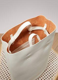 JIL SANDER Blossom leather bag Source by haniehasadimanesh Accs Cheap Purses, Cute Purses, Leather Bag Pattern, Casual Bags, Handbags On Sale, Jil Sander, Leather Handle, Womens Tote Bags, Clutch Bag