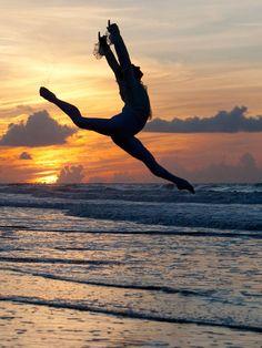 dance+beach+sunset = pure happiness.