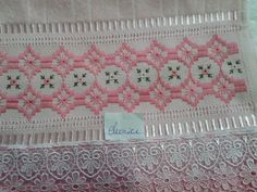 Bordados E Cia, Swedish Weaving, Cross Stitch Borders, Needle And Thread, Diy And Crafts, Embroidery, Pattern, Home Decor, Magic