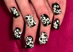 Googly Eyes: The Lazy Route | 25 Clever Nail Ideas For Halloween