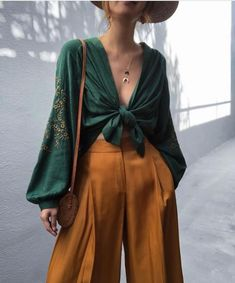 Paper bag waist culotte pants - Everything you are looking Boho Outfits, Casual Outfits, Cute Outfits, Fashion Outfits, Womens Fashion, Fashion Trends, Fashion Ideas, Autumn Outfits, Fashion Hacks