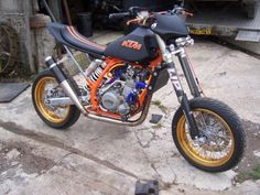 A killer KTM build! Thanks to Joe Banks who writes in: Hi there, love the twostroke blog and the pic of the day. Enjoyed the Stormer you just featured,took me back to my first full build,a 370 Stor...