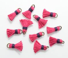 Fuchsia Mini Thread Tassel Pendant, Jewelry Supplies, Jewelry Making, Burnished Gold - 4pcs / RG0005-BGFC