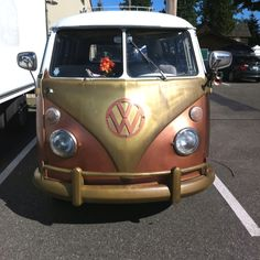 What a awesome VW... Love the metals used....