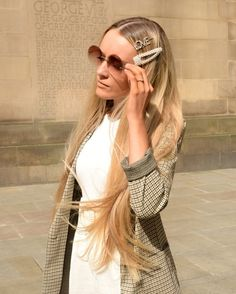 Still loving the hair clip trend! Cashmere Jumper, H&m Jackets, Hair Clips, Knitwear, Fashion Looks, Lifestyle, Shop, Outfits, Beauty