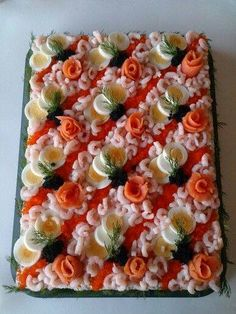 107 Ideas To Spark Your Sandwich Cake decoration - simplyb Appetizer Sandwiches, Party Sandwiches, Swedish Dishes, Swedish Recipes, Salad Design, Food Design, Sandwich Torte, Meat Cake, Savory Cheesecake