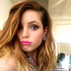 The lead vocalist of Echosmith,Sydney Sierota