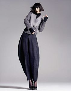 Zoot Alors: If you're in the market for a pair of voluminous zoot suit pants, then you're in luck! This free sewing pattern for zoot alors pants is a great way to work on pleating and play with proportions. Pants Pattern Free, Top Pattern, Free Pattern, Jodhpur, Sewing Patterns Free, Clothing Patterns, Free Sewing, Sewing Ideas, Ysl