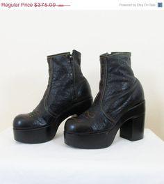 e75de639962 Vintage 1970 s Black ELTON JOHN Platform Boots   Men s Black Ankle Boots  Platform   Size 10.5 Men s RARE   Unique Authenic 70 s Punk Rocker
