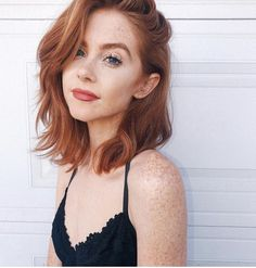 17 Flattering Haircuts To Try This Winter — Before Everyone Else Is Wearing Them - Haarschnitt Ideen Trending Hairstyles, Hairstyles Haircuts, Redhead Hairstyles, Pixie Haircuts, Layered Haircuts, Amazing Hairstyles, Braided Hairstyles, Medium Hair Styles, Curly Hair Styles