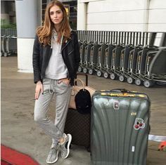 chiara ferragni look comfy airport los angeles