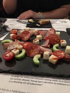 Budapest, KonyvBar & Restaurant: értékelések az étteremről - TripAdvisor