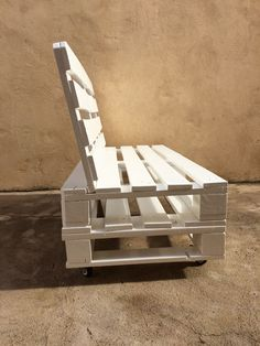 Most Creative Wooden Pallets Projects Ideas is part of Pallet patio furniture - Most Creative Wooden Pallets Projects Ideas Wood Pallet Recycling, Wooden Pallet Projects, Pallet Ideas, Wooden Pallets, 1001 Pallets, Recycled Pallets, Pallet Garden Furniture, Diy Furniture Couch, Rustic Furniture