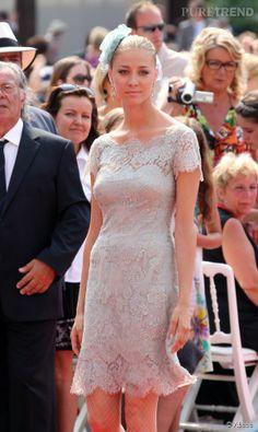 Beatrice Borromeo se rend à la soirée organisée par Valentino au Festival du film de Venise en 2006.