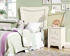 Cabecero juvenil blanco de estilo colonial con aires de estilo clásico, mire este y otros en: http://www.rusticocolonial.es/mueble-colonial-de-gran-calidad-al-mejor-precio/muebles-juveniles-coloniales-de-gran-calidad-al-mejor-precio/cabezales-juveniles-coloniales-de-gran-calidad-al-mejor-precio/cabecero-de-estilo-colonial-ref-oc-535-detail