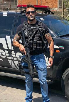 Hot pics of sexy cops Cop Uniform, Police Uniforms, Men In Uniform, Police Officer, Sexy Military Men, Military Gear, Hot Cops, Police Tactical Gear, Hot Hunks
