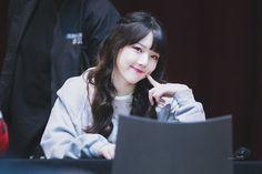 Gfriend Time For The Moon Night Fansign Cr: owner Heizesh Kpop Girl Groups, Korean Girl Groups, Kpop Girls, Extended Play, Kim Ye Won, Jung Eun Bi, Gfriend Sowon, Fandom, Cloud Dancer