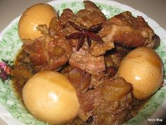 Welcome to Tevy's Kitchen: Caramelized Pork with Eggs