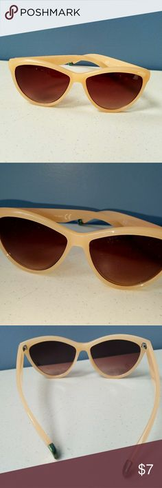 H&M sunglasses H&M sunglasses. Excellent used condition. No real sign of wear other than the piece that goes behind the ear as pictured. Sort of a light pinkish/tan color. Retro inspired look. Smoke free home.   Thanks for checking out my closet! H&M Accessories Sunglasses