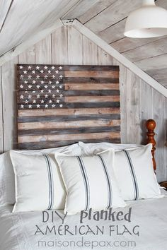 Maison De Pax created a beautiful and patriotic american flag artwork, isn't it dreamy in her home?