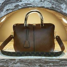 Louis Vuitton 2444 - Askılı Çanta