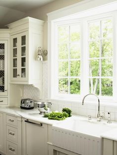 Kitchen Bay Window Ideas: Pictures, Tips & Expert Advice : Rooms : Home & Garden Television