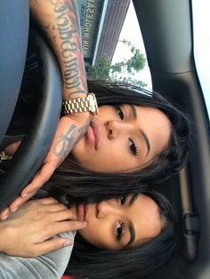 Girl couples are so adorable Cute Lesbian Couples, Lesbian Love, Cute Couples Goals, Couple Goals, Go Best Friend, Best Friend Outfits, Best Friend Goals, Girlfriend Goals, Bff Goals