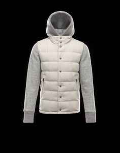 ef050dde466f Up to an Extra 70% off! Shop now on Moncler-outletstore.com