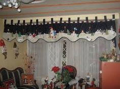 moldes cenefa navideña patchwork - Buscar con Google Christmas Valances, Handmade Christmas Decorations, Christmas Home, Christmas Stuff, Yule, Valance Curtains, Holiday, Projects, Crafts