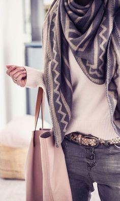 #winter #fashion / geo print scarf