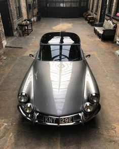 Citroen DS 1967 The Effective Pictures We Offer You About cars diy A quality picture can tell you many things. You can find the most beautiful picture Citroen Ds, Motos Bmw, Bmw Motorcycles, Vintage Motorcycles, Bmw S1000rr, Volvo, R1200r, Bmw Classic Cars, Car Photography