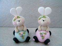 Easter Bear Egg Car Figurine por countrycupboardclay en Etsy