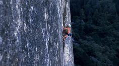They can even do it one-handed! | 14 Reasons Rock Climbers Defy The Laws Of Nature